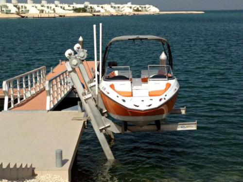 7k-boatlift-in-bahrain