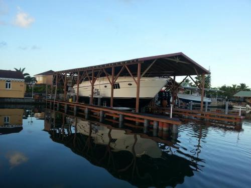 80k-boat-lift-in-Guadalupe-2