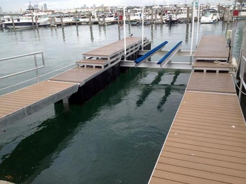 float-lift-installed-in-Miami-Beach-Marina-2 (1)